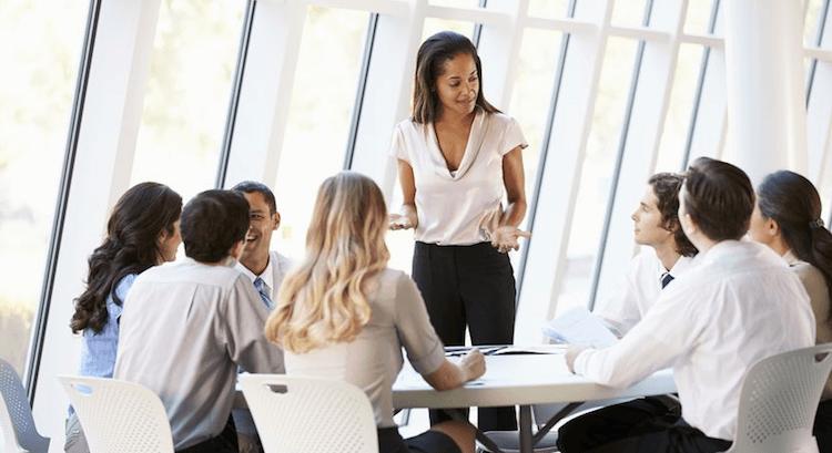 comunicar estrategia - control costes - roberto hernandez alicante
